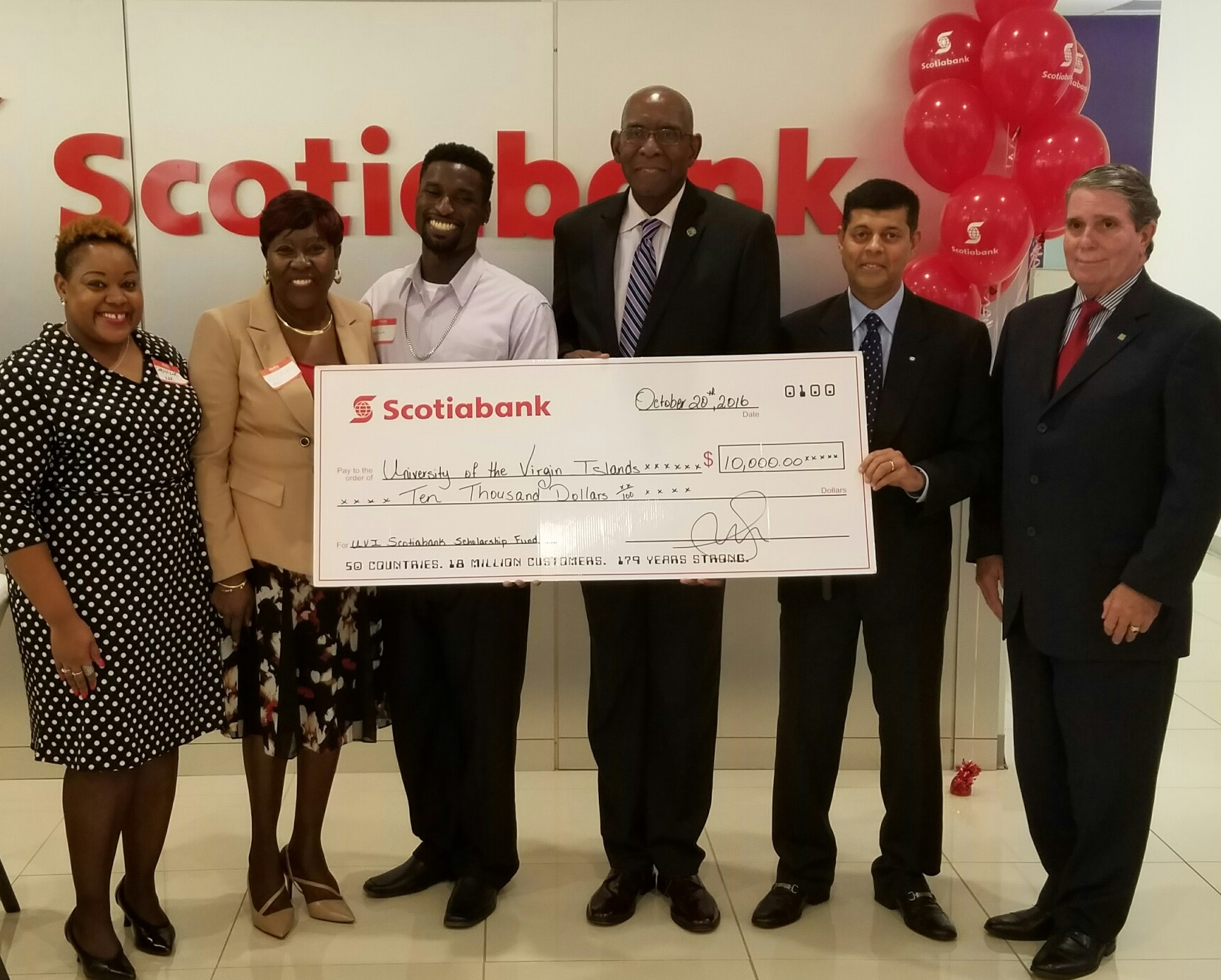 Scotiabank donates $10,000 to two UVI students from St. Croix and St. Thomas.