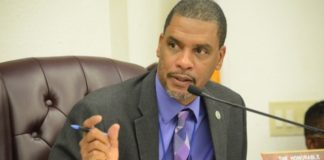 Sen. Kurt Vialet, chairman of the 32nd Legislature's Committee on Finance (File photo).